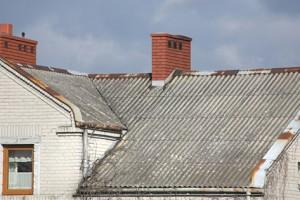 Wymiana azbestu - na co zwrócić uwagę wymieniając dach z azbestu?