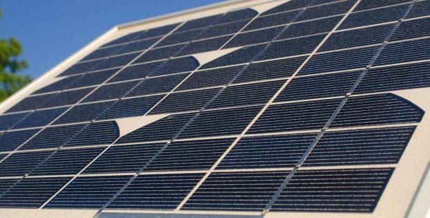 Co warto sprawdzić przed montażem paneli słonecznych